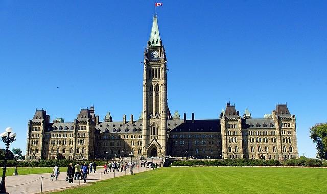Un projet de loi fédéral qui favorisera le vote des jeunes